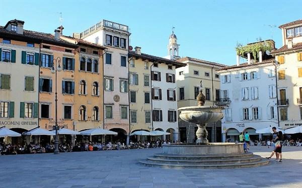 Piazza Matteotti Udine