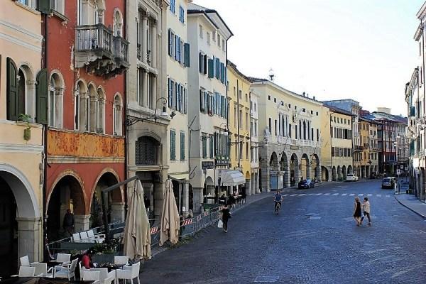 Via Mercatovecchio a Udine