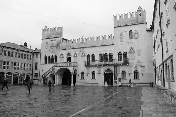 Palazzo Pretorio in piazza Tito Capodistria