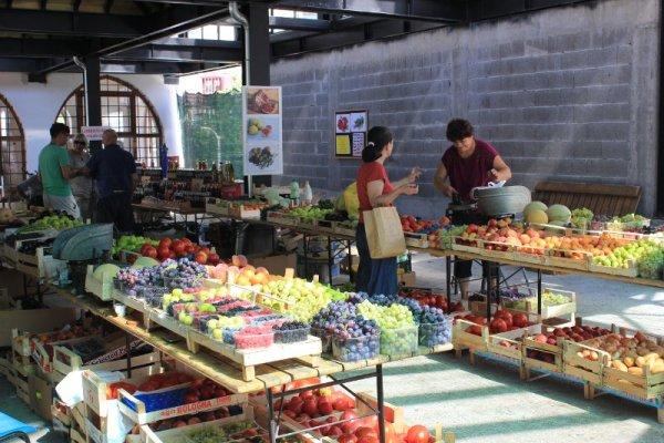 Mercato coperto Mostar frutta verdura