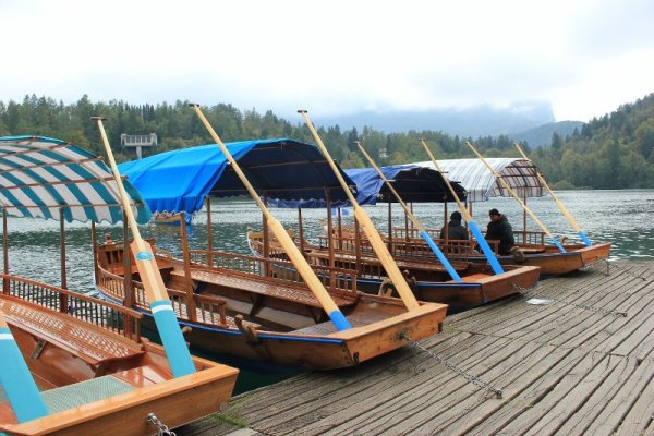 Le pletne, imbarcazioni sul lago di Bled