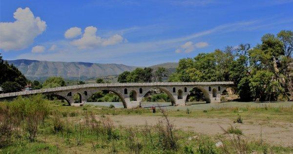 Ponte in pietra di Gorica Berat Albania