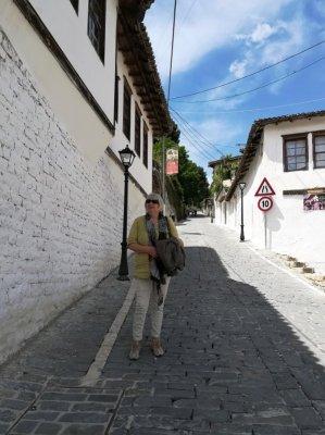 La salita che porta a Kalaja Berat Albania
