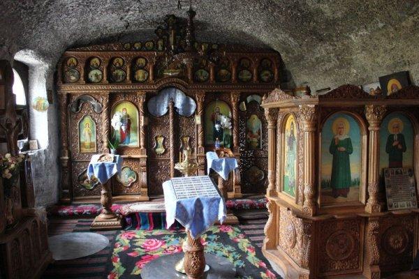 Interno Monastero Pestera a Orheiul Vechi Moldova