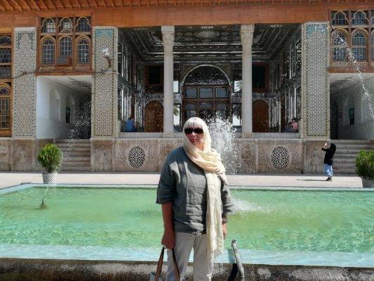 Veranda del palazzo Naranjestan-e Qavam Shiraz Iran