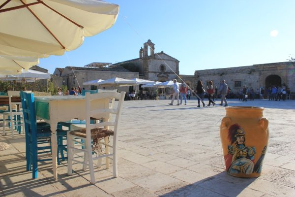 Marzamemi Sicilia, piazza Regina Margherita
