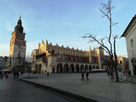 Sukiennice e Torre Municipio Cracovia