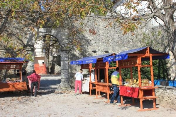 Il mercatino dei prodotti locali a Štanjel Slovenia