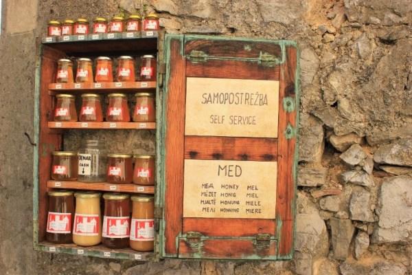 Il miele del Carso sloveno a Štanjel