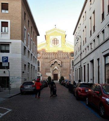 La facciata del Duomo di Udine