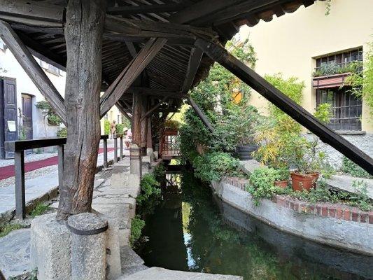 Il Vicolo dei Lavandai sul Naviglio Grande a Milano