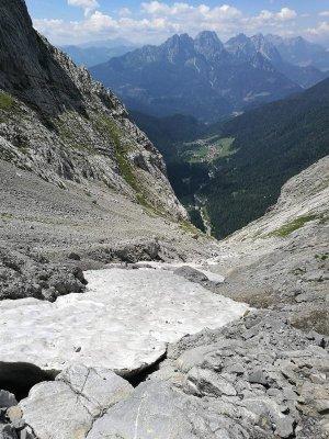 Un ghiaione lungo il sentiero Riccardo Spinotti Alpi Carniche