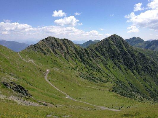 La strada che dal Rifugio Marinelli porta al Rifugio Tolazzi nelle Alpi Carniche
