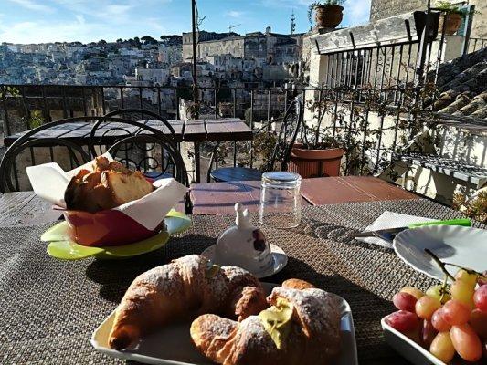 Colazione al Bed & Breakfast Gradelle Pennino a Matera