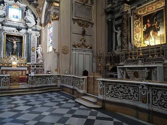Un particolare interno del Duomo di Lecce