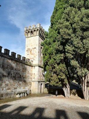 Muro di cinta della Badia a Passignano Toscana