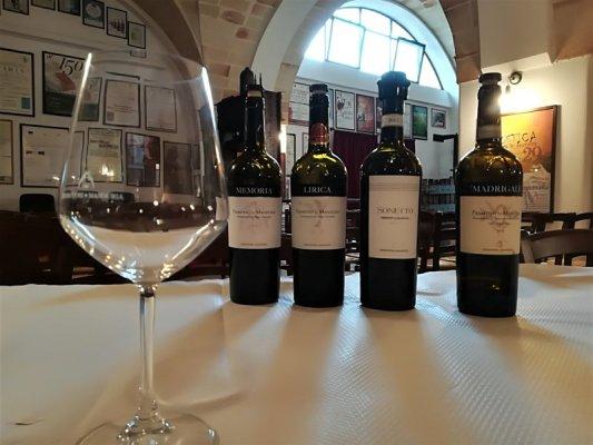 Degustazione di vini alla Cantina dei Produttori di Manduria