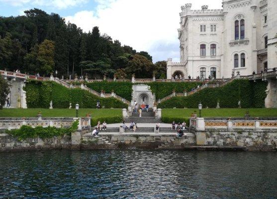 Il porticciolo del Castello di Miramare a Trieste