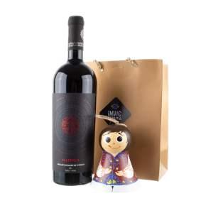 Pachet cadou clopoțel românaș pictat manual și vin roșu marca Averești
