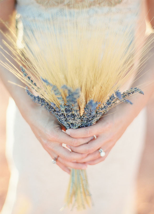 Wedding ideas | wheat bouquet