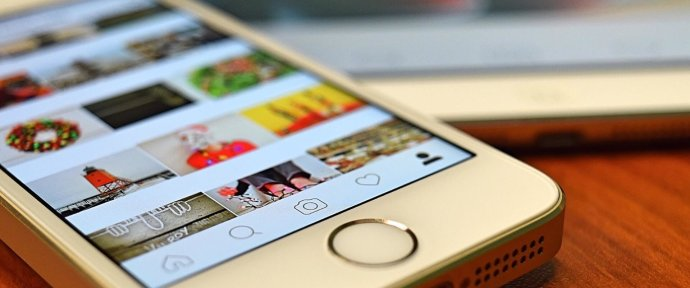 Use Instagram, Facebook and Twitter to interact with your followers on Halloween