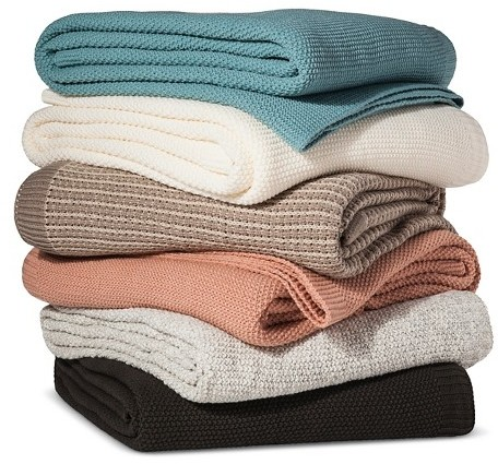 what to pack in your hospital bag! hospital bag luxury comfort item: cozy blanket