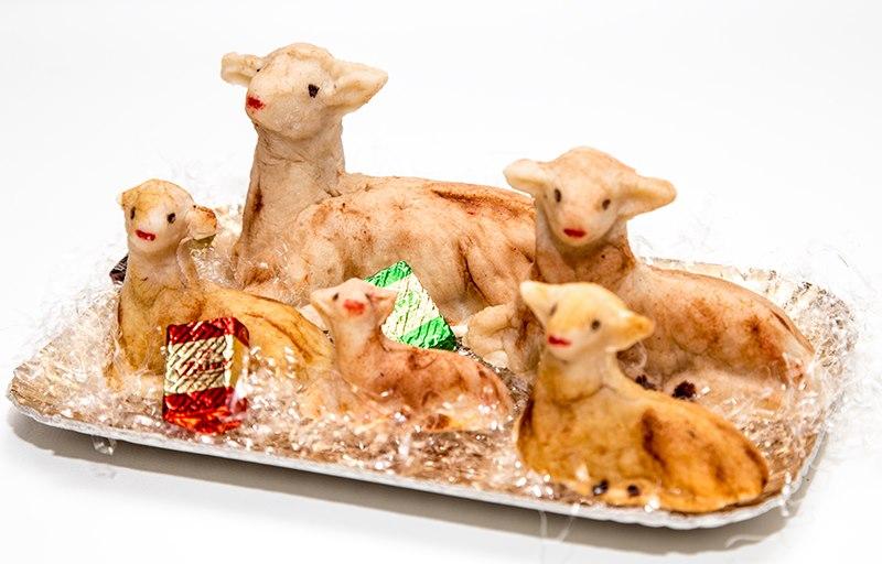 Risultati immagini per agnello di pasqua dolce