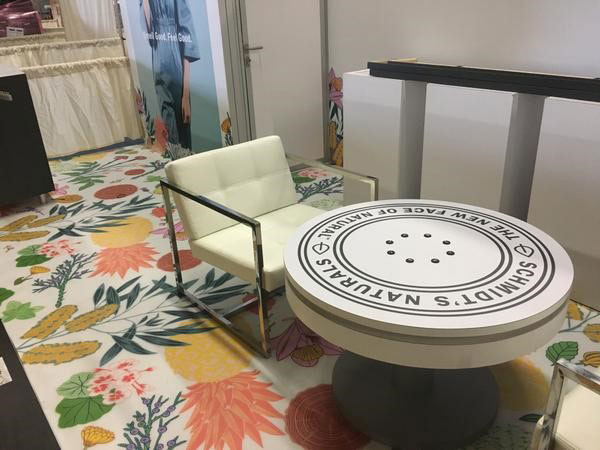 36 round charging coffee table ion