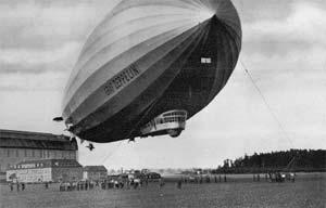 Graff Zeppelin amarrado
