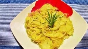 Questo tortino a base di patate, cipolle, zucchine e germogli di soia è un ottimo piatto sfizioso, senza glutine, e che piacerà sicuramente anche ai vostri bambini.