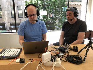 Stefan & Gerhard beim Podcasten