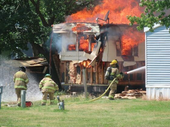 Fire destroys mobile home, damages second in Perry 8