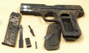 Chavis gun and parts (photo taken by Nancy Bowers)