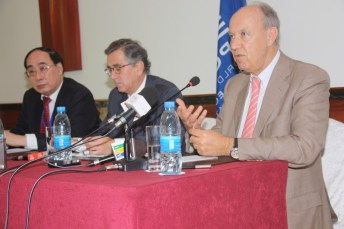 From left to right: Wu Hongbo, Néstor Osorio, Francis Gurry (Photo Credit: Zainul Mzige)
