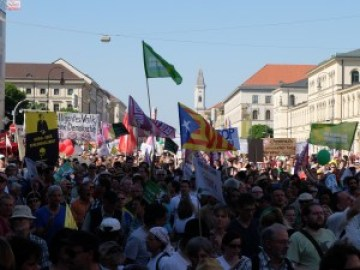 40,000 protesters came, more expected on 10 October