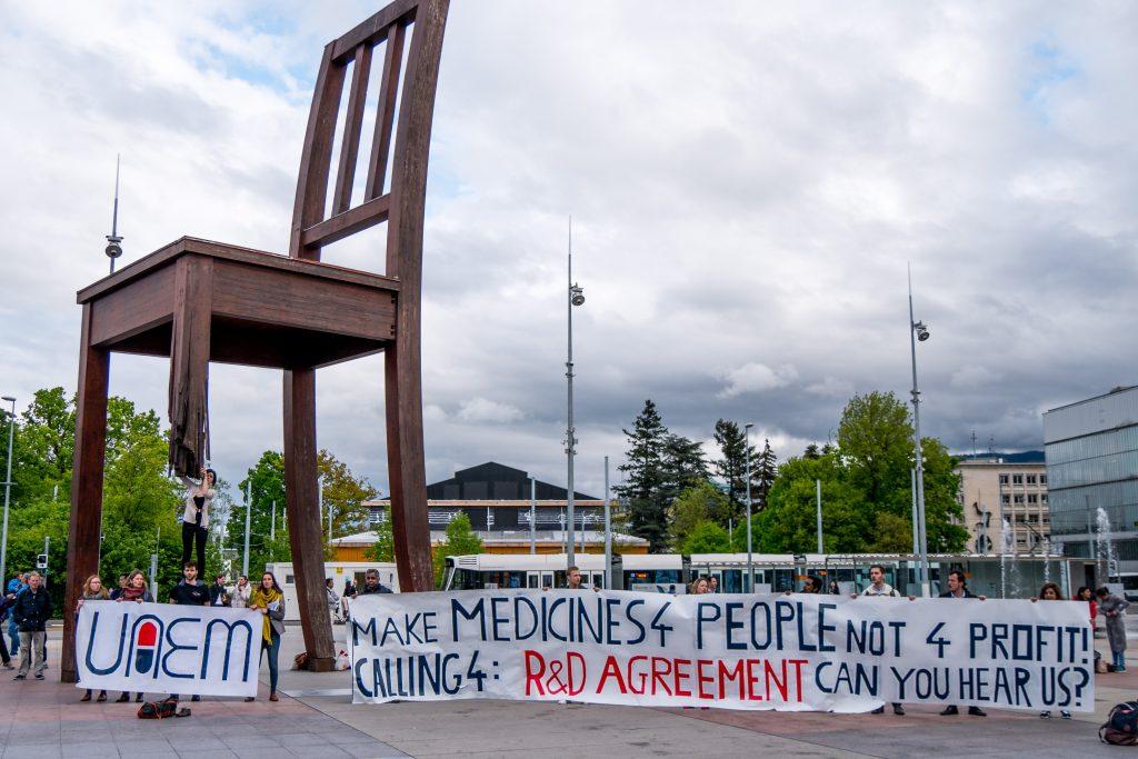 UAEM protest at the UN Place des Nations, Geneva