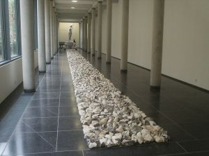 1024px-Richard_Long_-_Midsummer_Flint_Line,_Kleve