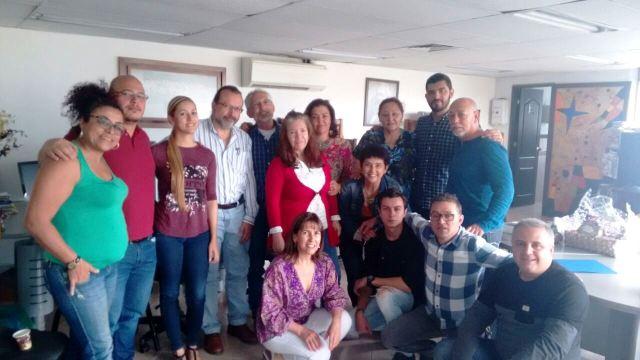 Al día siguiente del evento William Ospina visitó la sede del IPC y dialogó con socios y empleados.