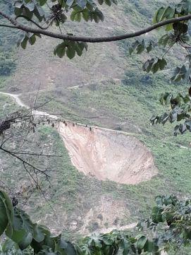 Derrumbe en la via_Fotos Rios Vivos