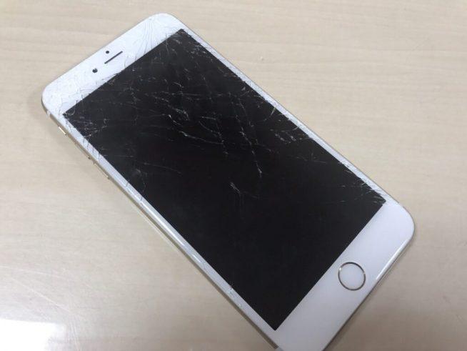 割れたiPhone6Plus