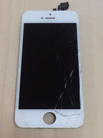 iPhone5修理前28/12/25