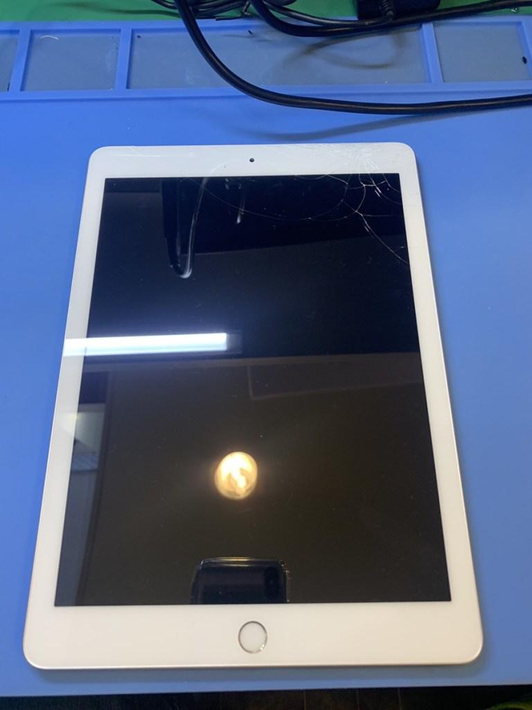 iPadガラス交換(1)