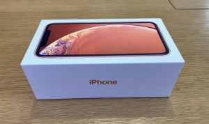 iPhone XR Unboxing Photo