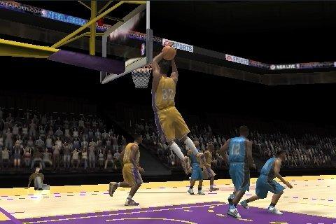 NBA Live 10 on iPhone