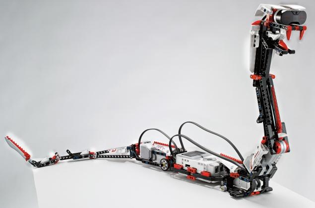 Lego-Robo-635