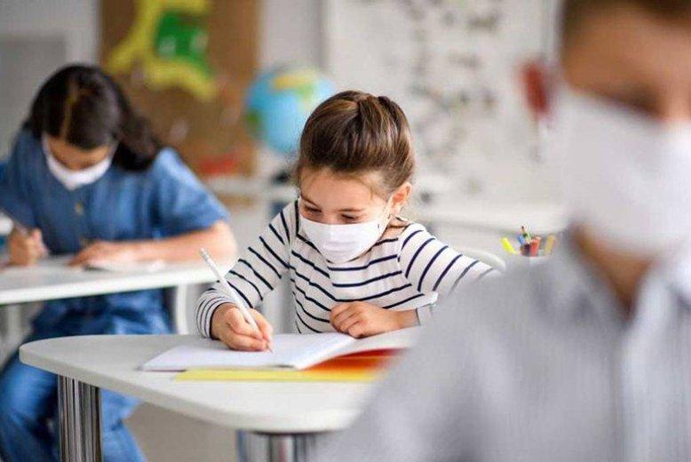 Gran cantidad de padres a favor de clases presenciales