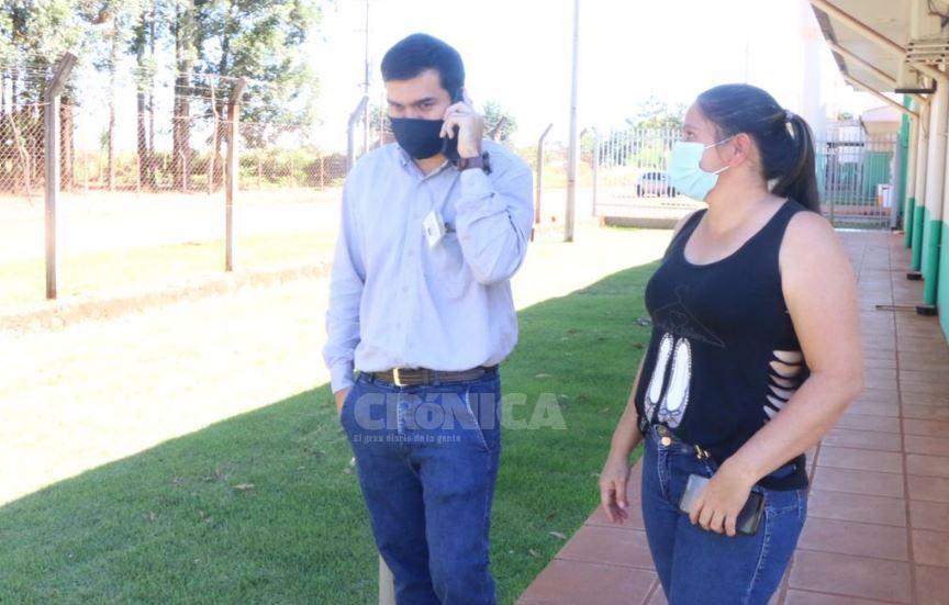 Cristian Vera decidió que no retiraría el auto para poder ayudar a la familia Gómez. Foto: Gustavo Galeano