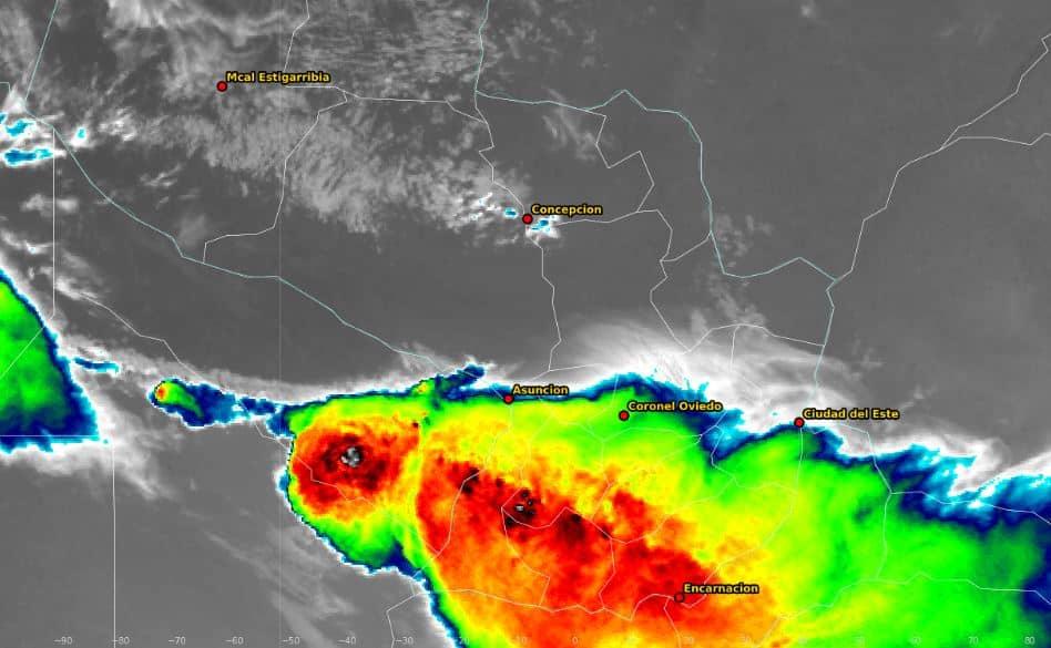 Lluvias con tormentas eléctricas moderadas a fuertes