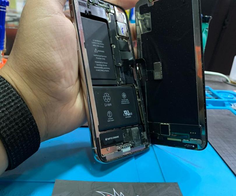 iPhone X OLED Screen Replacement At iPro Ampang