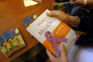 El texto aporta conceptos y realidades sobre la violencia de género así como consejos para el autocuidado del personal que atiende a las víctimas. Jorge Luis Baños - IPS